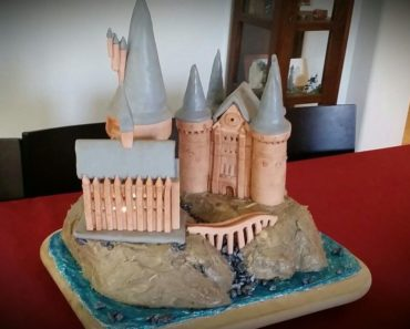 Hogwarts Harry Potter Cake